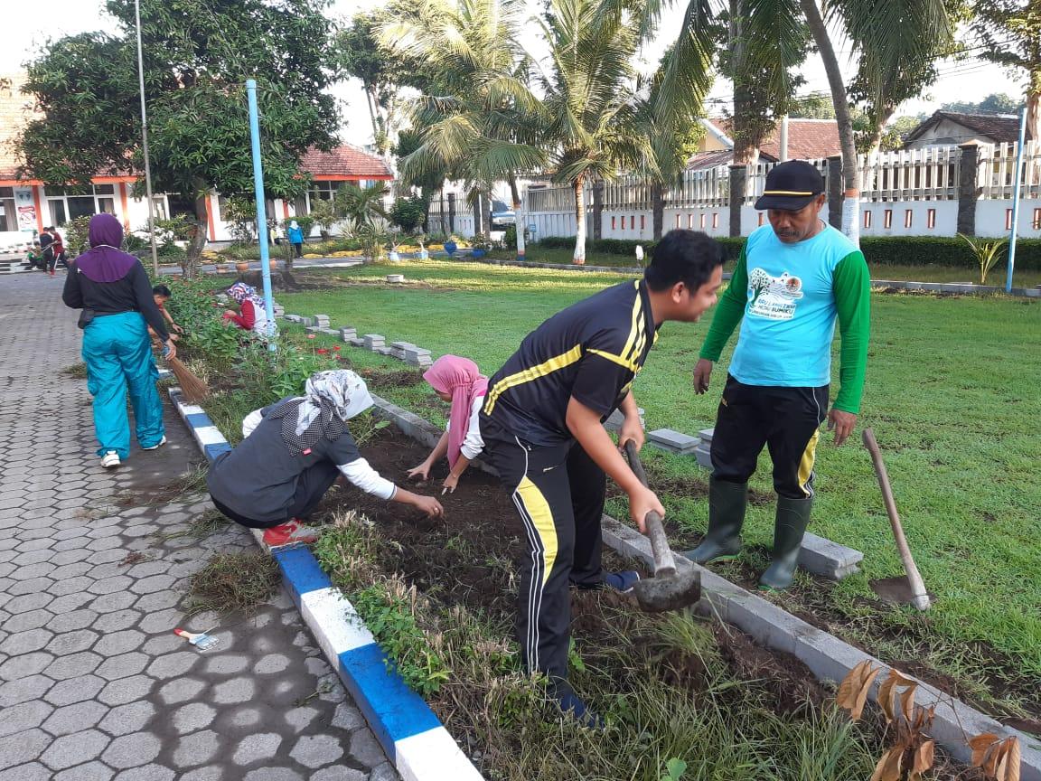 Jum'at Bersih, Kerja Bhakti dalam rangka