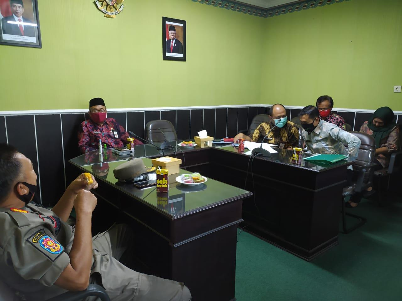 Rapat Fasilitasi Penyelesaian Permasalahan Pemerintahan Desa Salak Kec. Randuagung dan Desa Kudus Kec. Klakah